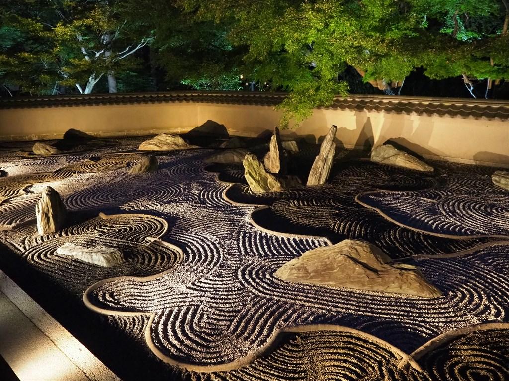 東福寺 龍吟庵の特別ライトアップ